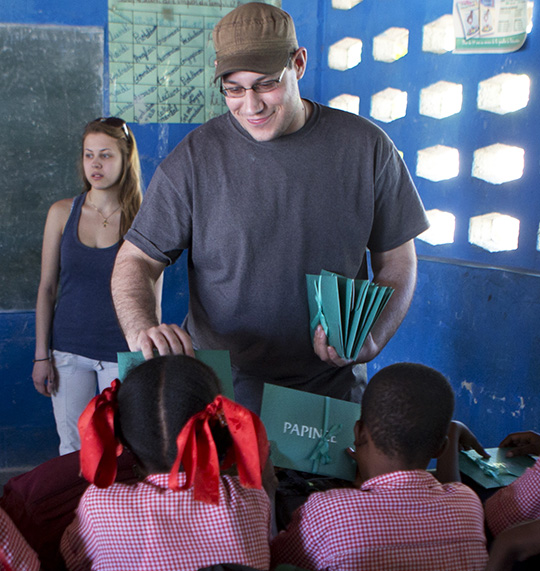 papinee-give-back-program-in-haiti-give-away-school